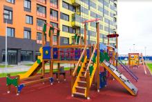 Почти 850 детских площадок обустроили в прошлом году в Москве