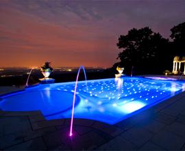 Выбираем подводные светильники для бассейна